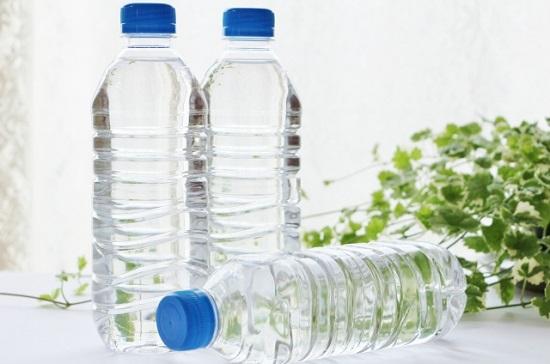 ペットボトル,水